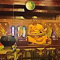 Mnich buddyjski w świątyni Wat Phra Si Rattana Mahathat #Phitsanulok #tajlandia #budda #świątynia #mnich