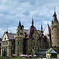 Moszna Zamek .... i byłoby piękniej, gdyby nie te wszędobylskie piwne parasole ... **** ulub. stan48; lidiaizabela **** #Moszna #zamki