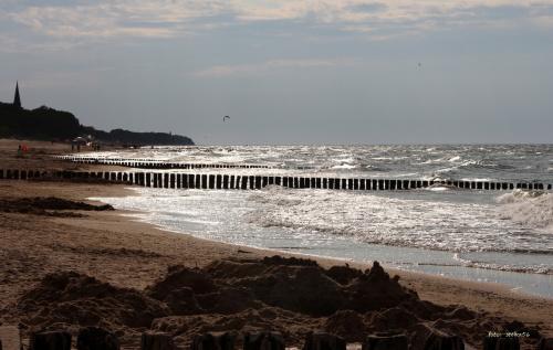 wakacje ... urlop ... plaża ... Sarbinowo, które głowy nie urywa , ale ? :) pozdrawiam Was kochani :) ... #morze #plaża #urlop #wakacje