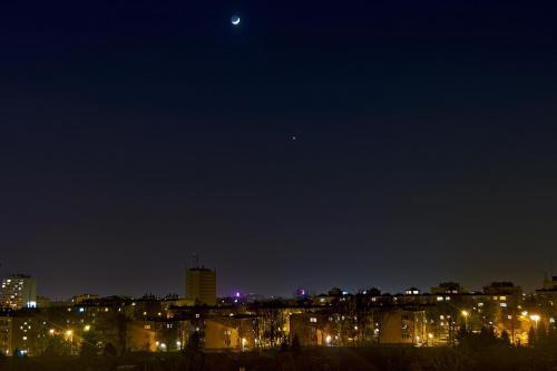 Koniunkcja Księżyca z Wenus i Marsem