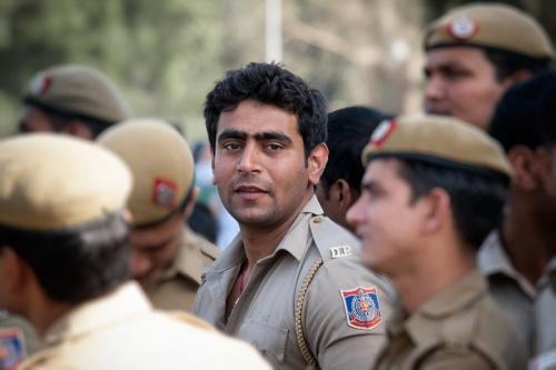 Może Bollywood zamiast armii?