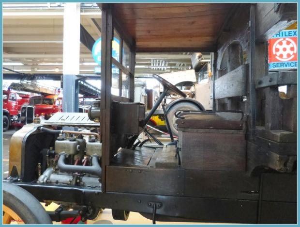 W Arbon-szwajcarskie muzeum--kabina drewnianego auta #samochody