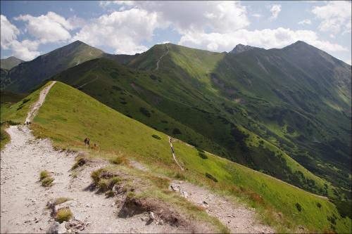 widoki z Trzydniowiańskiego Wierchu (i tym razem coś polecę: http://harrison777.wrzuta.pl/audio/9XEpcBizjV0/red_hot_chili_pepers_-_scar_tissue) #Tatry #TatryZachodnie #Lipiec2013 #góry #TrzydniowiańskiWierch