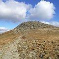 Widoka na rumowisko Babiej Góry od Przełęczy Lodowej #góry #beskidy #BeskidŻywiecki #BabiaGóra