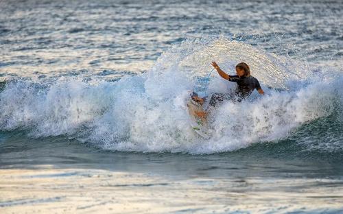 Kolejny surfer